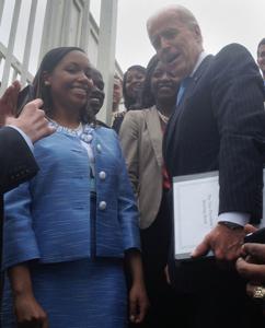 Raising HIV/AIDS awareness: alum continues dedication as White House intern image