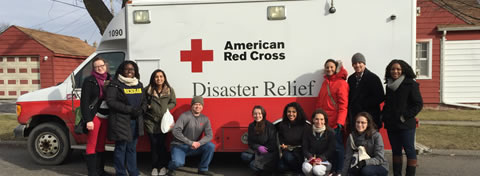 Link to:Students team up with Red Cross to distribute water, filters, and information in Flint